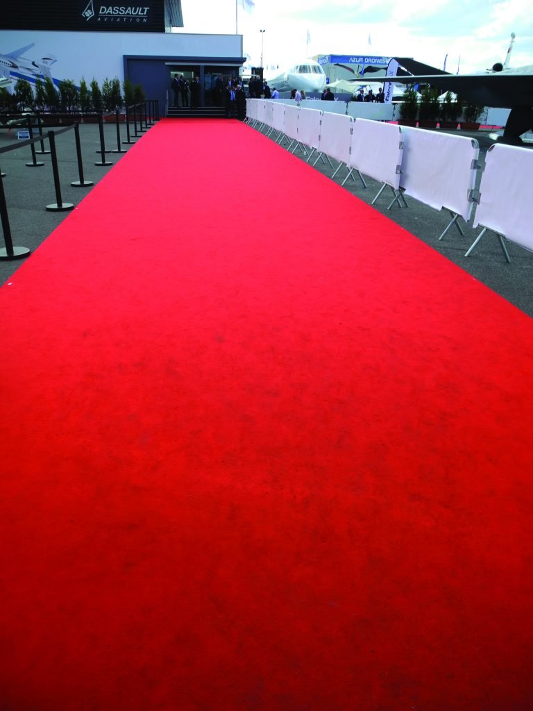 sommer-event-carpet-expostyle-expocolor-0962-theatre-red-ambiance-2-76