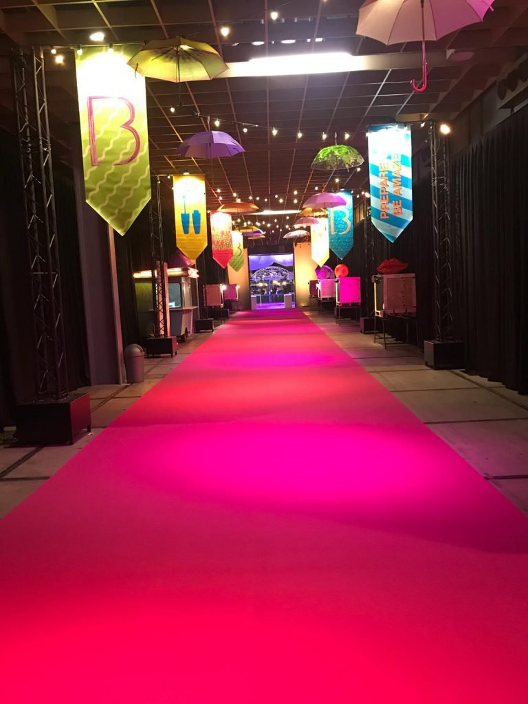 sommer-event-carpet-expostyle-expocolor-9302-fushia-ambiance-768x1024
